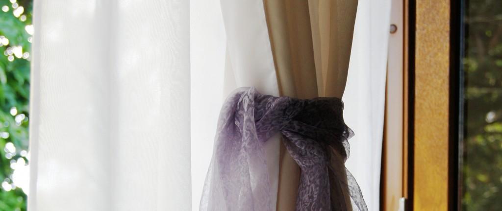 Os produtos do Ateliê Ana Cordeiro são duráveis e fáceis de manter. Lave suas cortinas em casa e com frequência. Cuide bem e use por muito mais tempo.